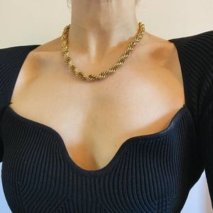 VTG Gold Chunky Twist Circle Necklace